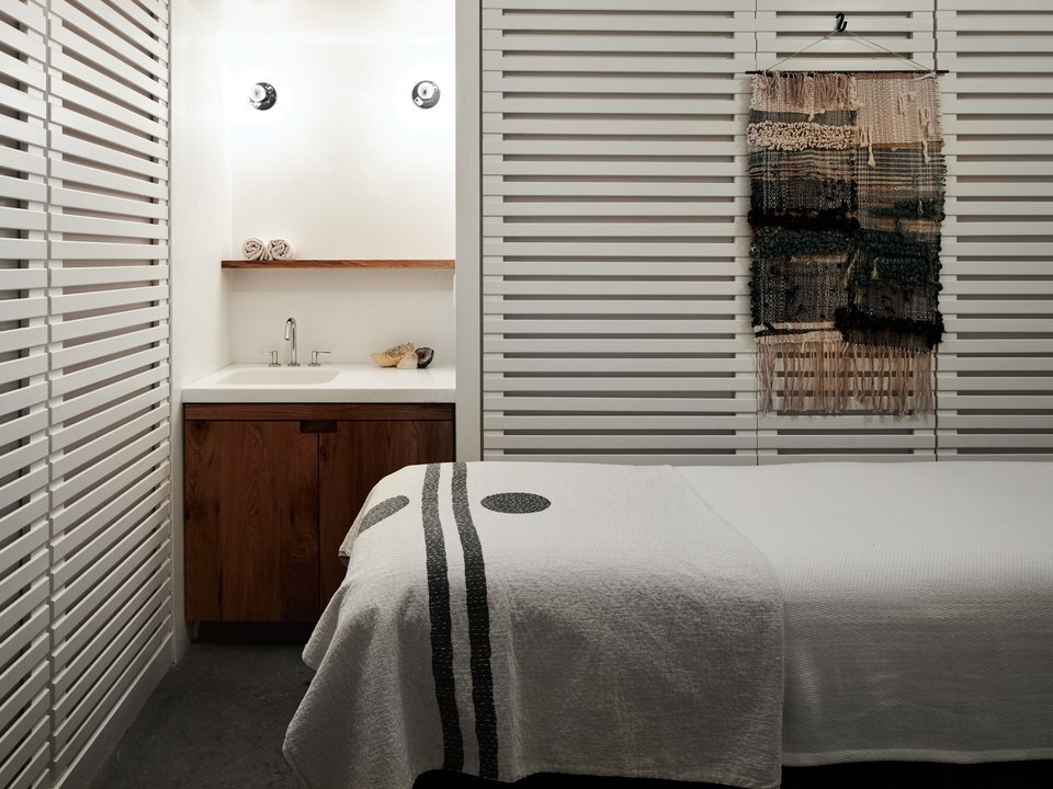 Feel Good Spa room with bed